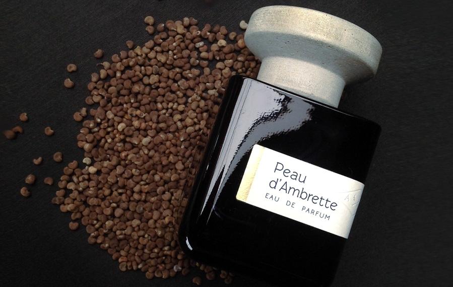 peau d ambrette materi parfumista